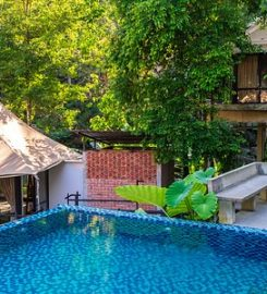 Boulder Valley Glamping & Event Place, Teluk Bahang